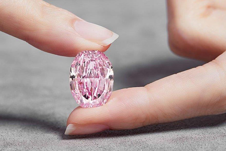 Kim cương: Viêm kim cương hồng tím cực hiếm sắp bán đấu giá 38 triệu