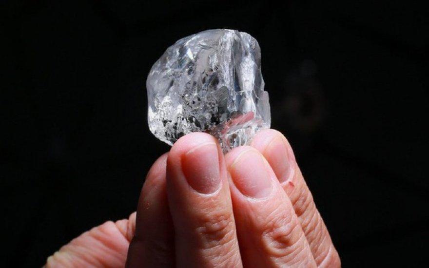 Mới: Tìm thấy viên kim cương tuyệt đẹp, có giá trị khoảng 345 tỷ đồng